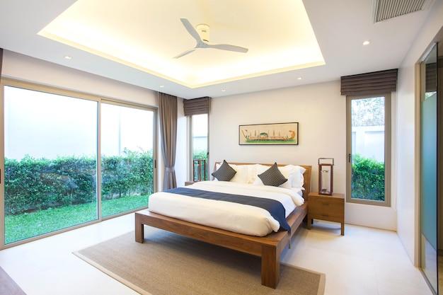 Luxe interieur in slaapkamer van zwembadvilla | Foto | Premium Download