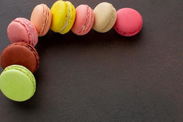 Macarons assortiment met kopie ruimte Gratis Foto