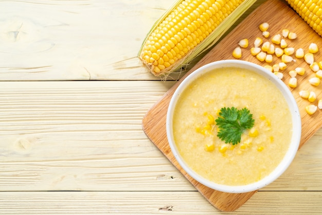 Maïs soepkom Premium Foto