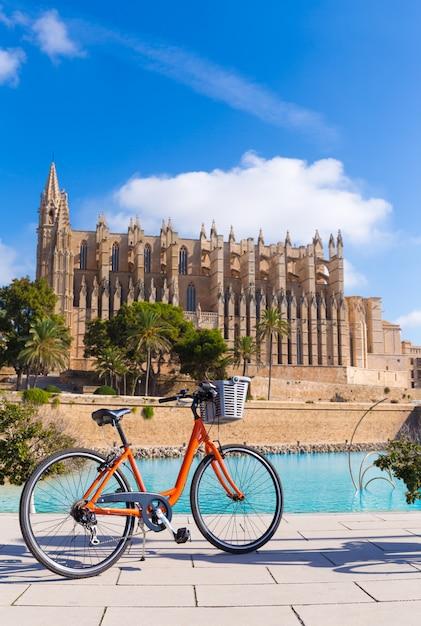 Majorca palma cathedral seu en fiets mallorca Premium Foto