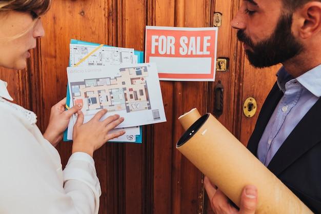 Makelaars, plannen en te koop Gratis Foto