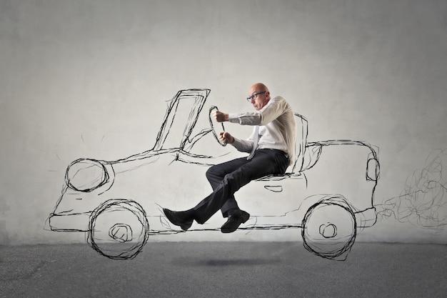 Man een fictieve auto besturen Premium Foto