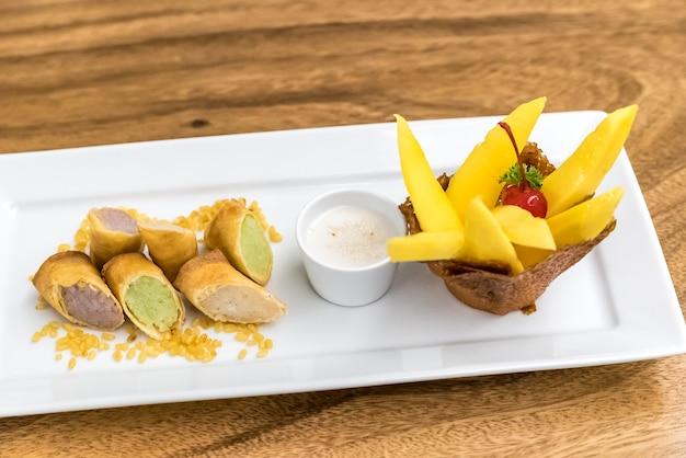 Mango plakkerige rijst Premium Foto