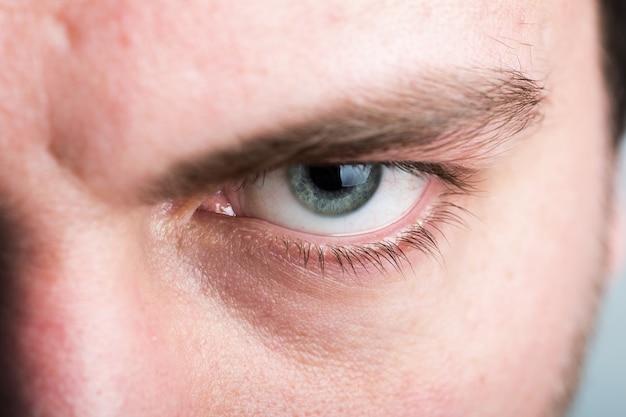 Mannelijk oog Premium Foto