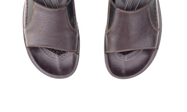 Mannen lederen sandalen geïsoleerd op witte ruimte bovenaanzicht Premium Foto