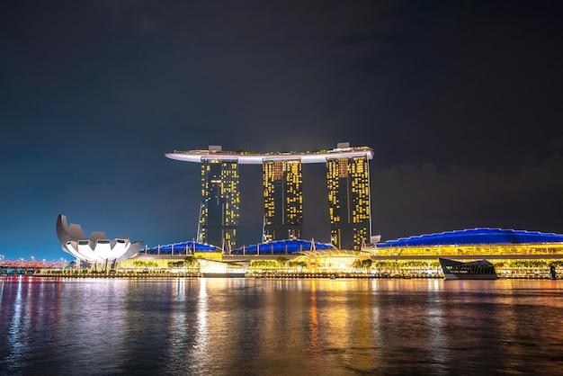 Marina bay-mening van singapore bij nacht Gratis Foto