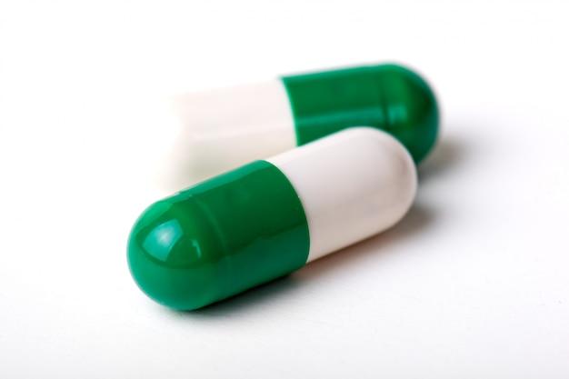Medische pillen voor de behandeling van patiënten Premium Foto