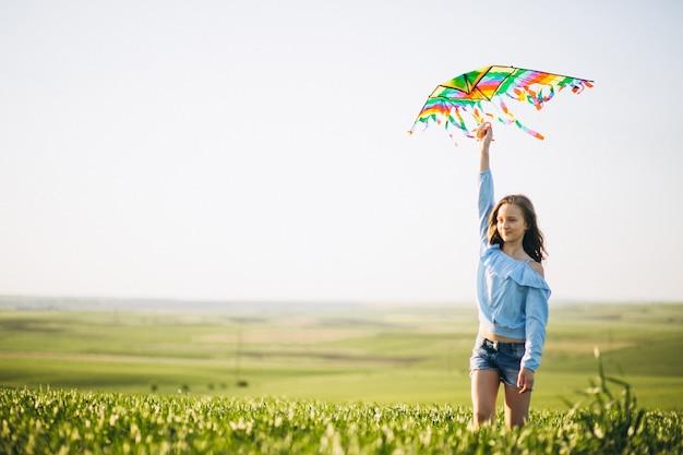 Meisje met vlieger Gratis Foto