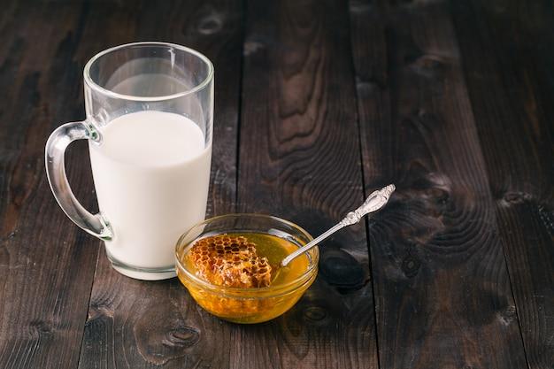 Melk en honing Premium Foto