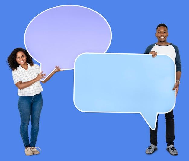 Mensen houden van de pictogrammen van de toespraakbel Premium Foto