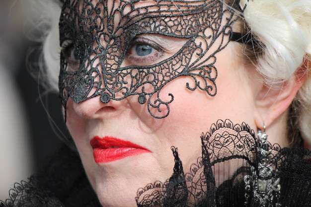 Mensen in kostuum voor carnaval van venetië Premium Foto