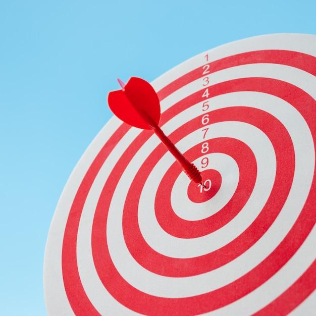 Met absolute precisie naar het doel haasten, dus beide vormen een uitdaging in zakelijke marketing. Premium Foto