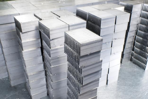 Metalen onderdelen gesneden Premium Foto