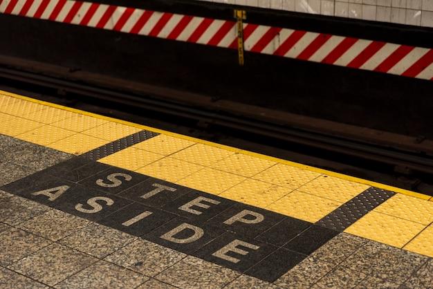 Metro station waarschuwingsbord Gratis Foto