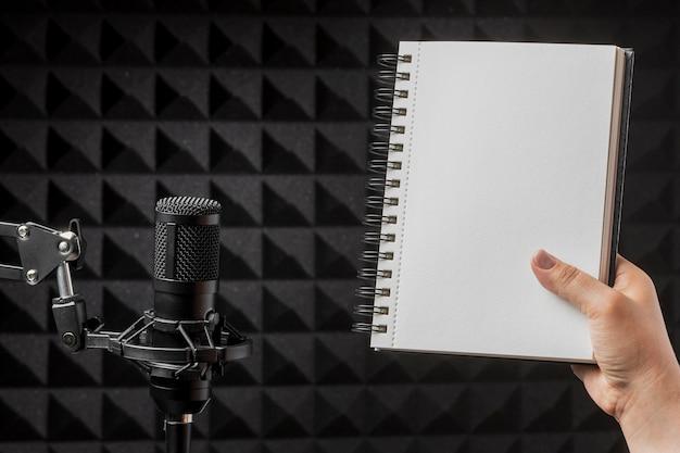 Microfoon en exemplaarruimte notitieboekje Premium Foto