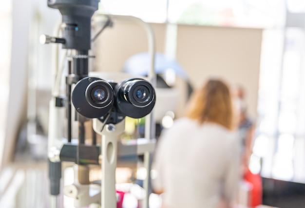 Microscoop voor oogonderzoeken Premium Foto