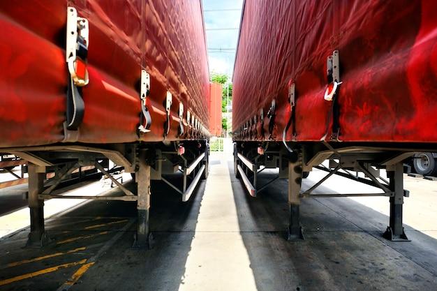 Midden aanhangwagen lading logistiek patroon Gratis Foto