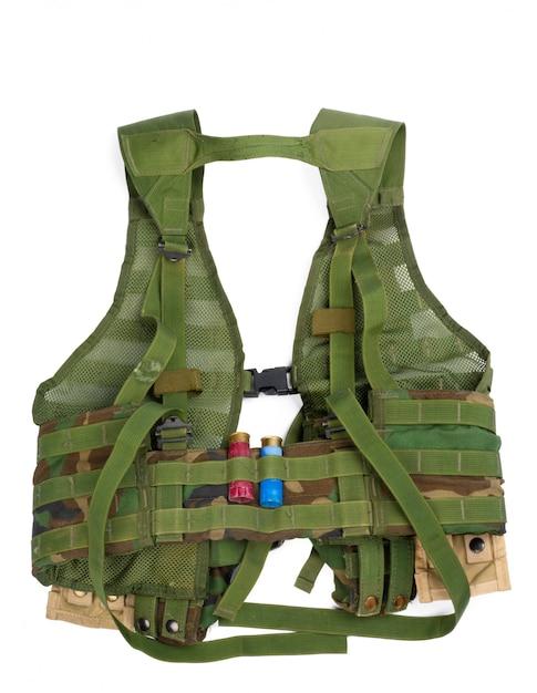 Militair lichaamspantser dat op witte achtergrond wordt geïsoleerd Premium Foto