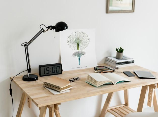 Minimale stijl van werkruimte Gratis Foto