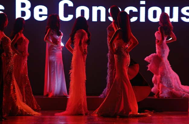 Miss beauty contest-modellen Premium Foto