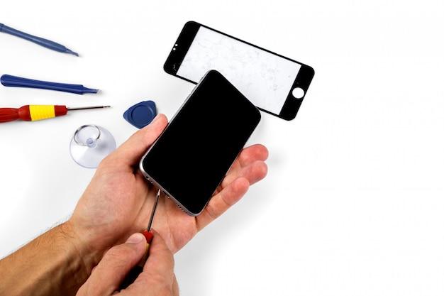 Mobiele telefoon reparatie. smart-telefoon en tablet repareren Premium Foto