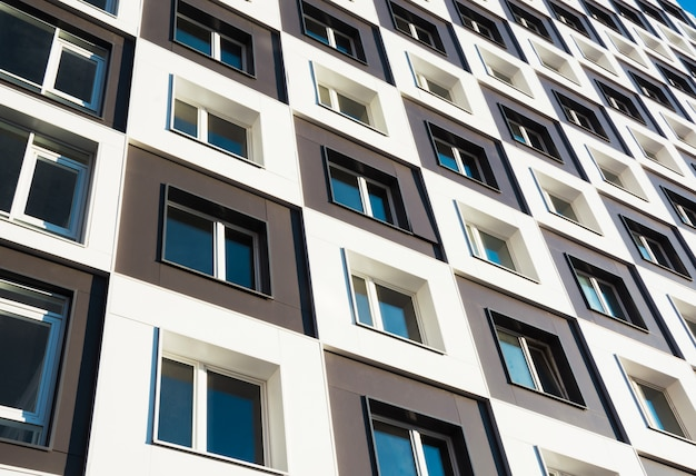 Modern en nieuw flatgebouw. Premium Foto