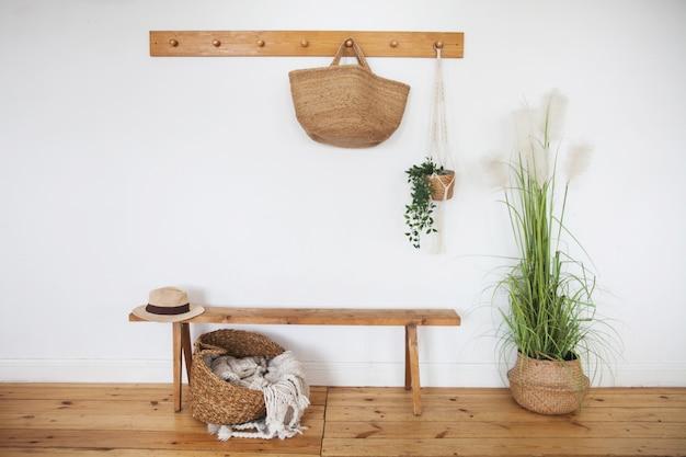 Modern interieur hal in de scandinavische stijl. Premium Foto