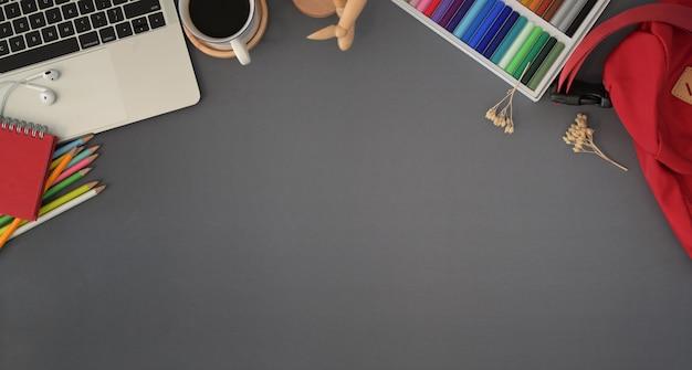Moderne creatieve werkplek met kopie ruimte Premium Foto