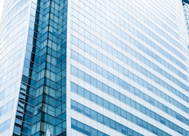 Moderne glazen wand van het kantoorgebouw Premium Foto