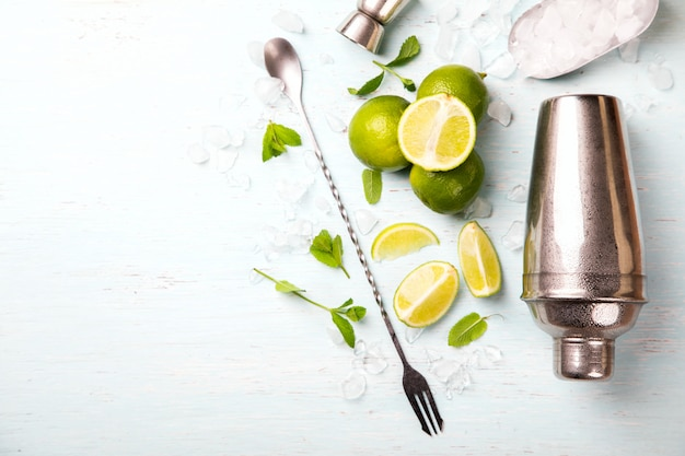 Mojito-cocktail. zomerdrankje voor feestjes. Premium Foto