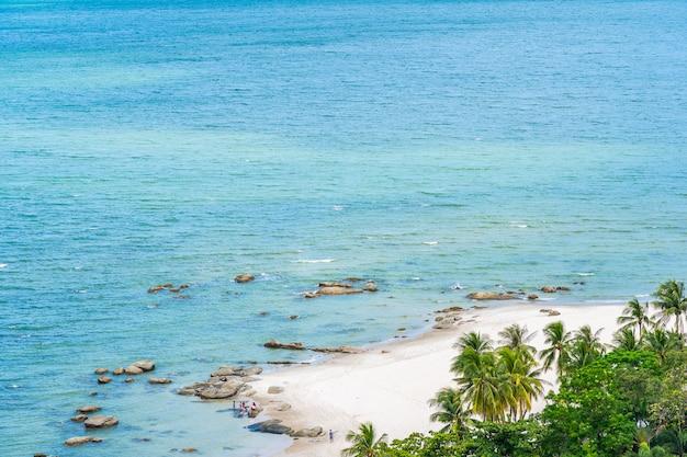 Mooi landschap en stadsgezicht in hua hin stad rond zee oceaan baai Gratis Foto