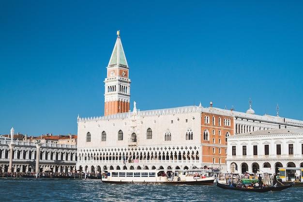 Mooi schot van het piazza san marco-gebouw in italië Gratis Foto
