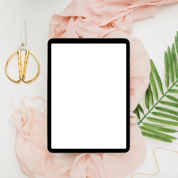Mooi tabletsjabloon voor bruiloft Gratis Foto