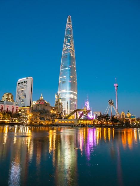 Mooie architectuur die de toren van lotte bouwen Gratis Foto