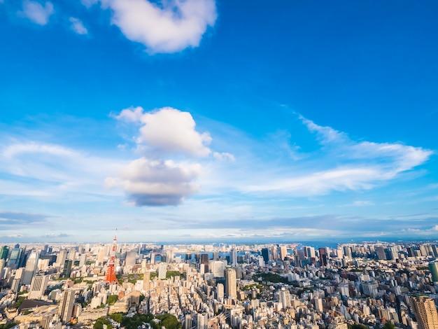 Mooie architectuur en de bouw rond de stad van tokyo van de toren van tokyo in japan Gratis Foto