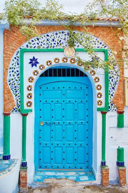 Mooie diverse reeks blauwe deuren marokko Premium Foto