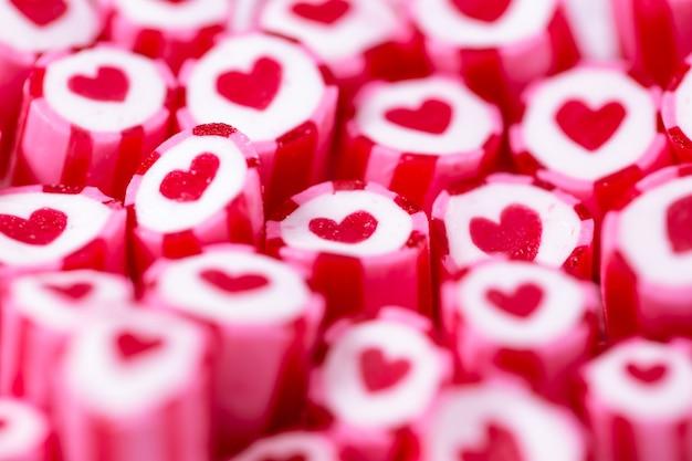 Mooie harten snoepstokken voor valentijnsdag Premium Foto