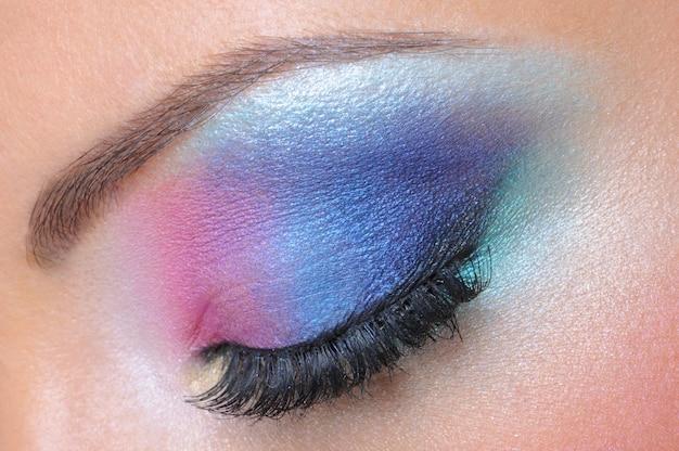 Mooie lichte maniermake-up van vrouwelijk oog - macroschot Gratis Foto