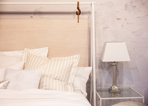 Mooie schone en moderne slaapkamer Premium Foto