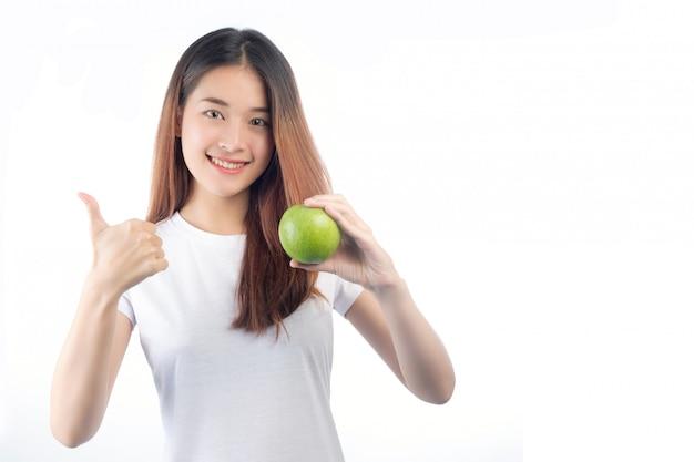 Mooie vrouw azië met een gelukkige glimlach Gratis Foto