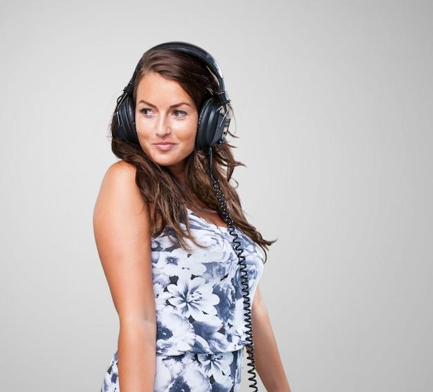 mooie vrouw met lang bruin haar — Stockfoto © valuavitaly