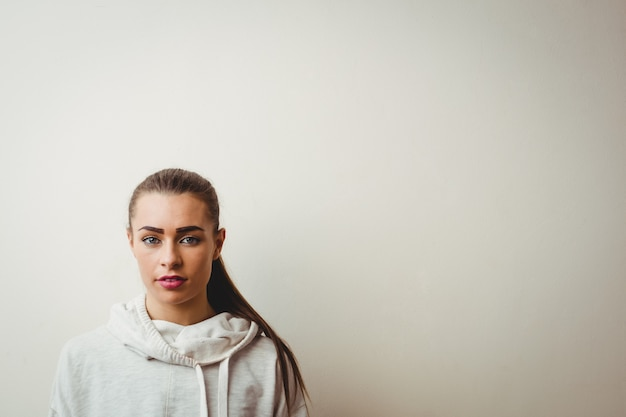 Mooie vrouw in hip hop dansstudio Gratis Foto