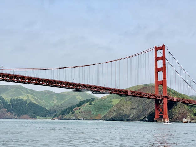 Mooie wide shot van de golden gate bridge in san francisco Gratis Foto