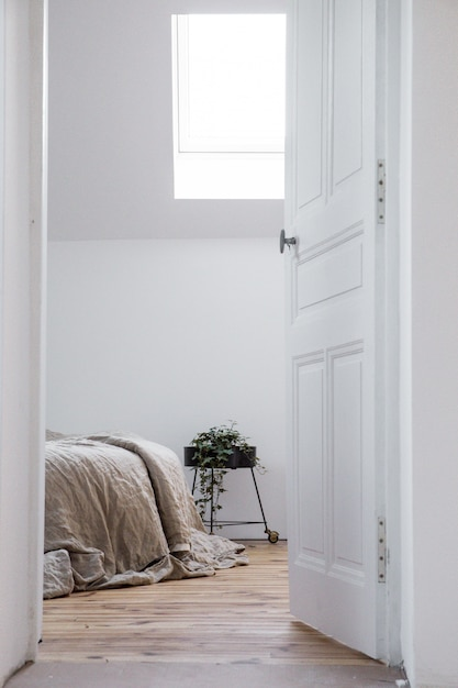 Mooie witte slaapkamer Gratis Foto