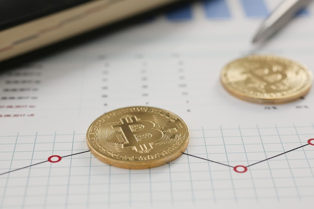 Munt crypto valuta bitcoin tegen de Premium Foto