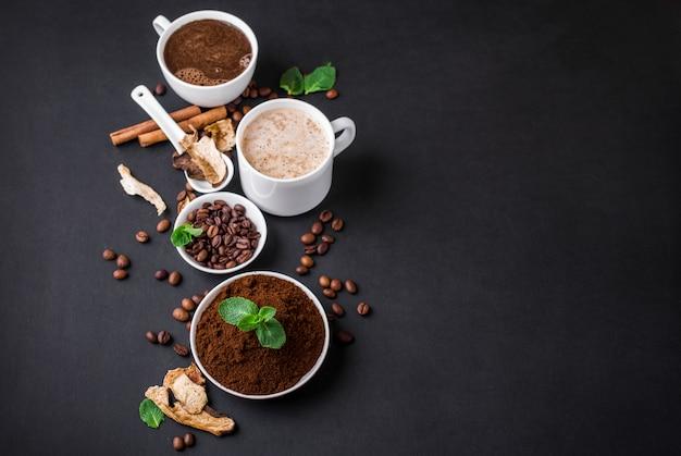 Mushroom chaga coffee superfood trenddroge en verse champignons en koffiebonen Premium Foto