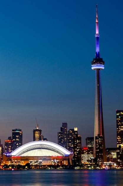 Nachtmening van toronto van de binnenstad, ontario, canada Premium Foto