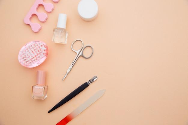 Nagelverzorging accessoires. professionele stalen manicure tools. Premium Foto