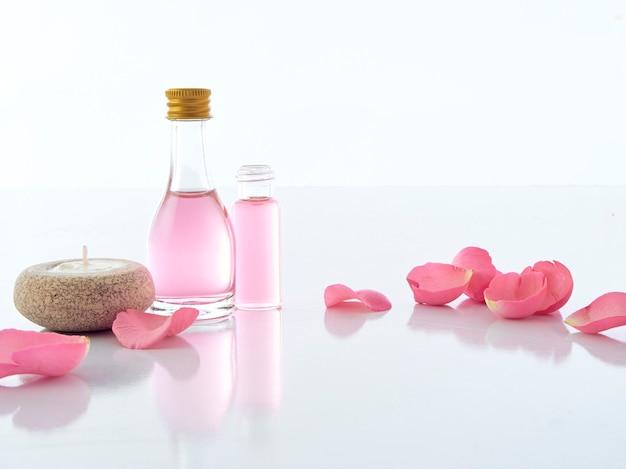 Natural spa set van roos en geurkaars potpourri Premium Foto