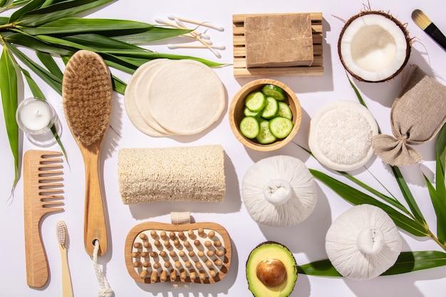 Natuurlijke huidverzorgingsproducten. geen afval, milieuvriendelijke badkamer- en spa-accessoires Premium Foto